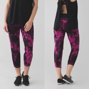 """NWT Lululemon """"Shake It Out"""" Crops"""